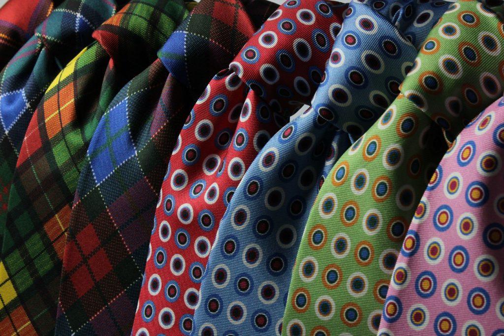 様々なネクタイ