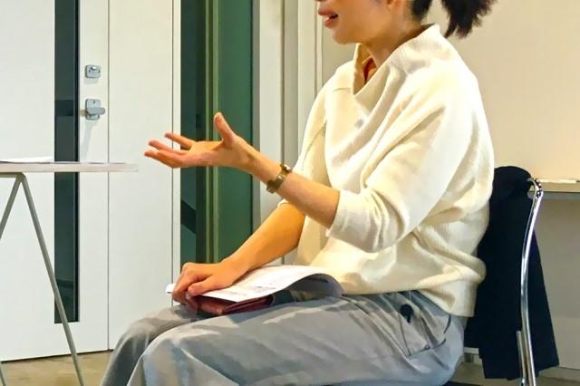 面接練習する学生